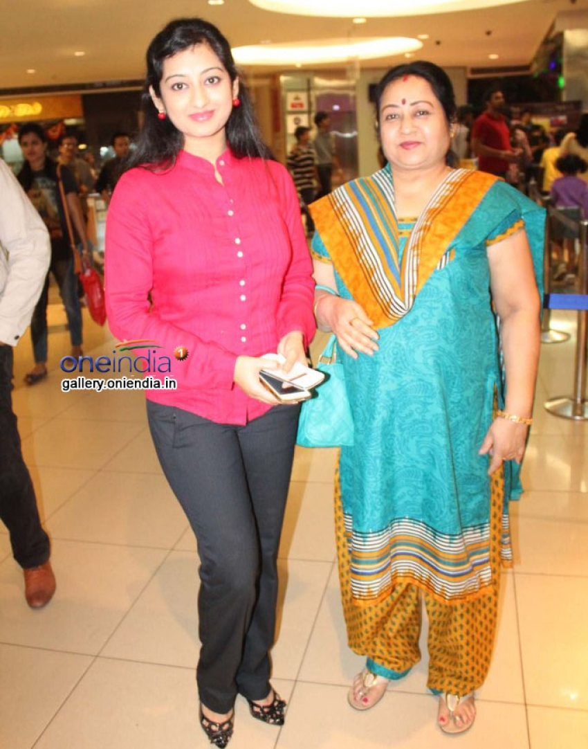 Gharshane Celebrity Show in INOX Mantri Mall Photos