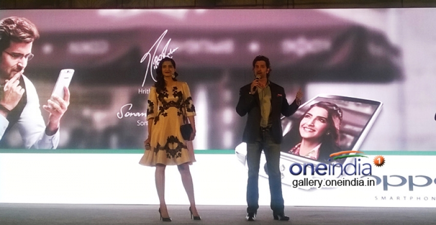 Hrithik Roshan and Sonam Kapoor at OPPO mobile launch Photos