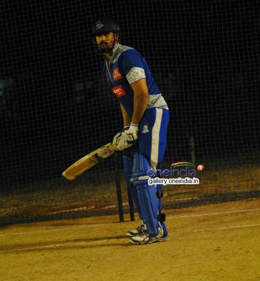 CCL 4 : Karnataka Bulldozers Practice Session Photos