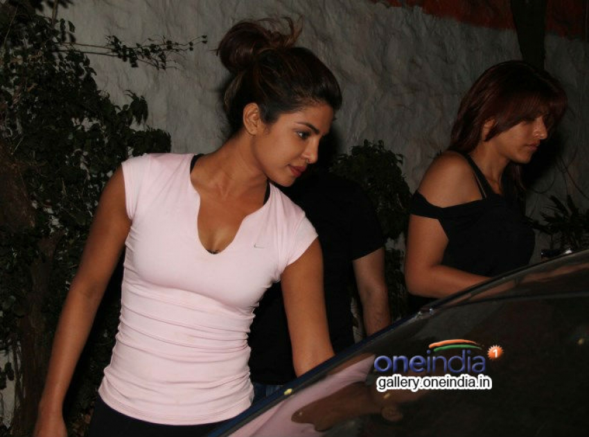 Priyanka Chopra Snapped In Bandra At Olive Photos