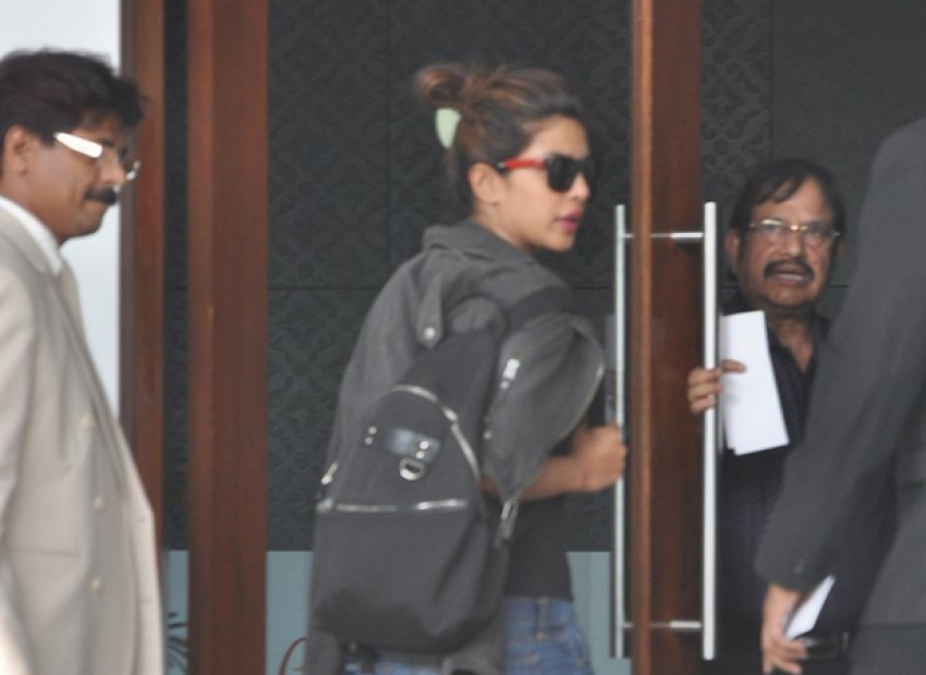 Salman Khan, Priyanka Chopra and Alia Bhatt snapped at Airport Photos