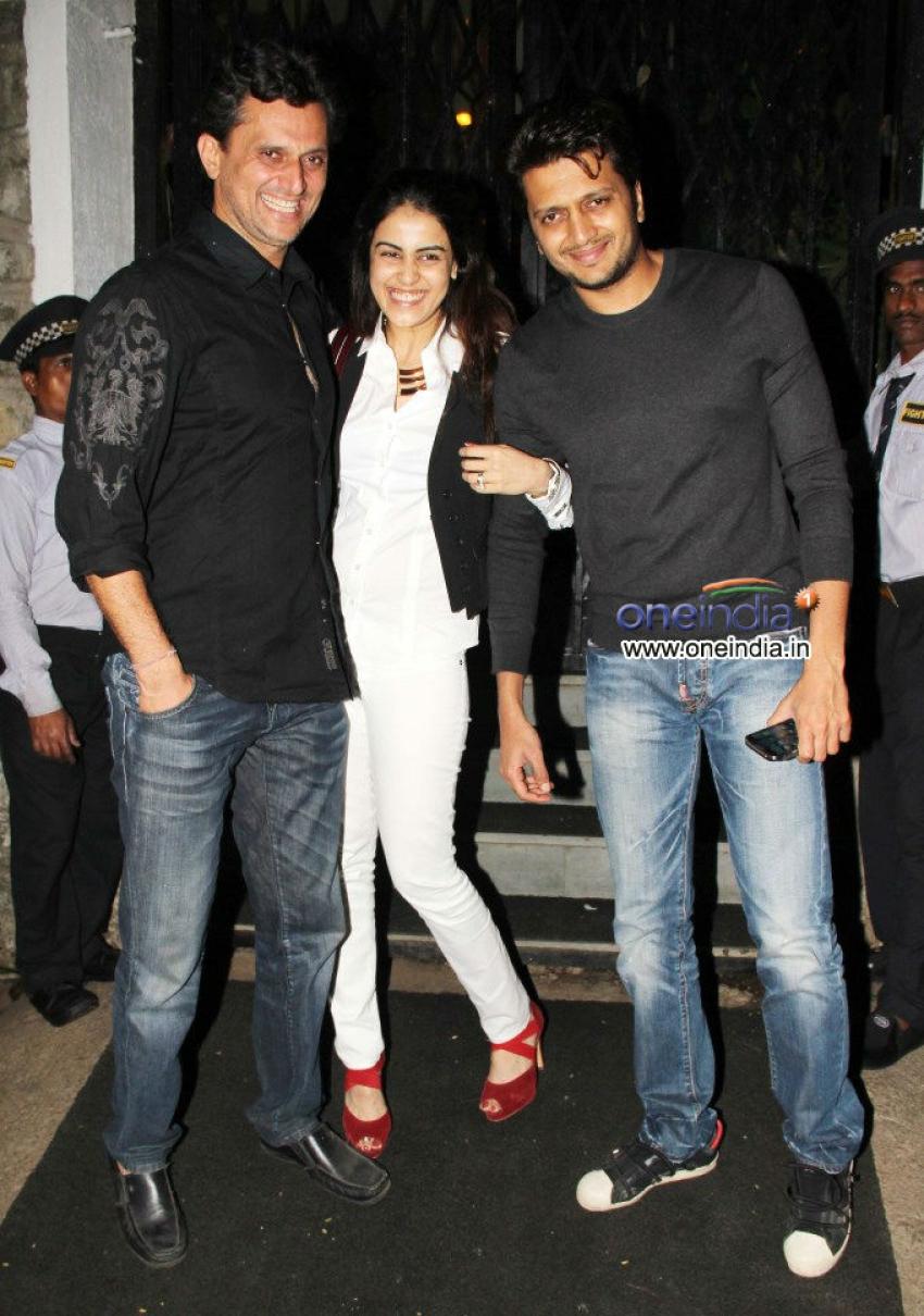 Ritesh Deshmukh And Genelia D'Souza Snapped At Bandra Photos
