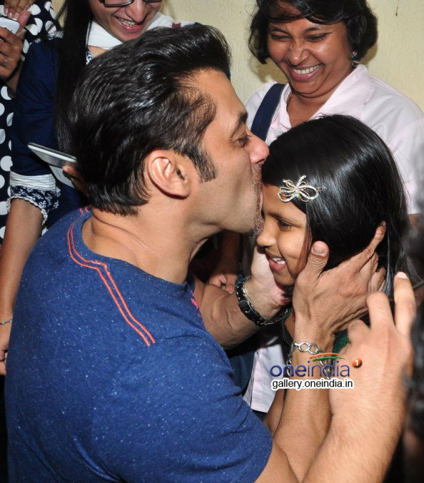 Special Screening Of Film Jai Ho For NGO Kids Photos