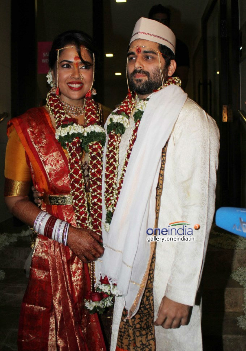 Sameera Reddy gets married to Akshai Varde Photos