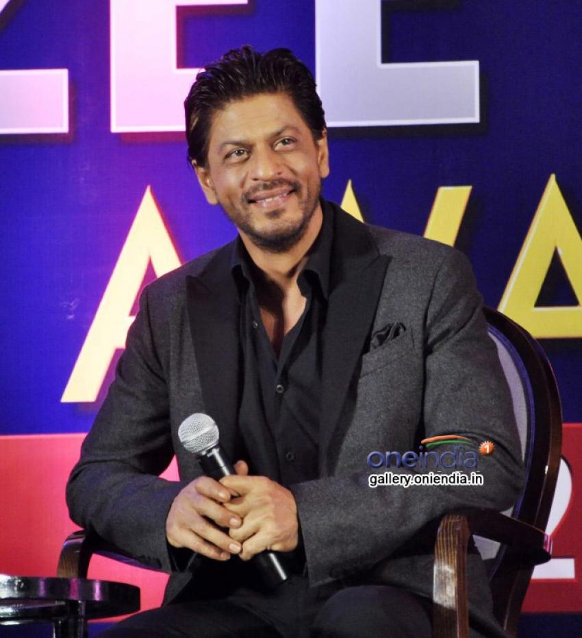 Shahrukh Khan at press meet of Zee Cine Awards 2014 Photos