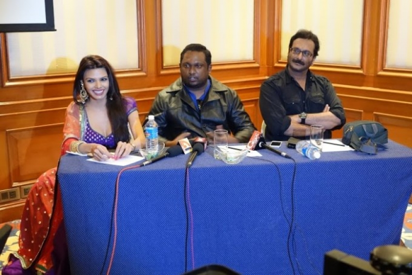 Sherlyn Chopra files case against Kamasutra 3D director Rupesh Paul Photos