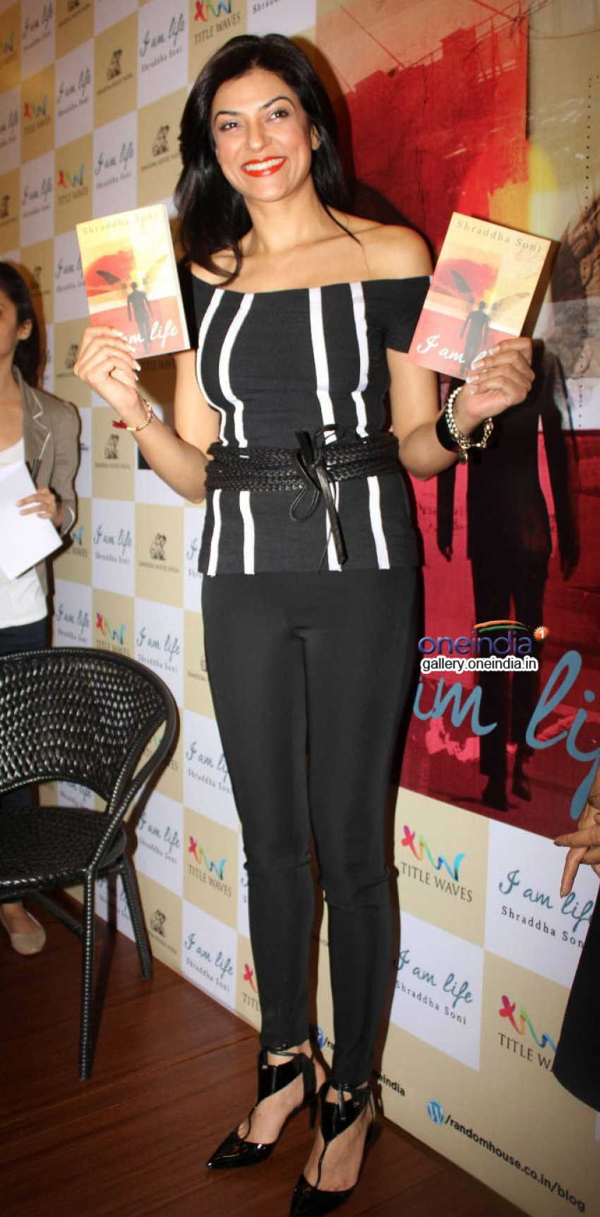 Sushmita Sen launches Shraddha Soni's book I am Life Photos