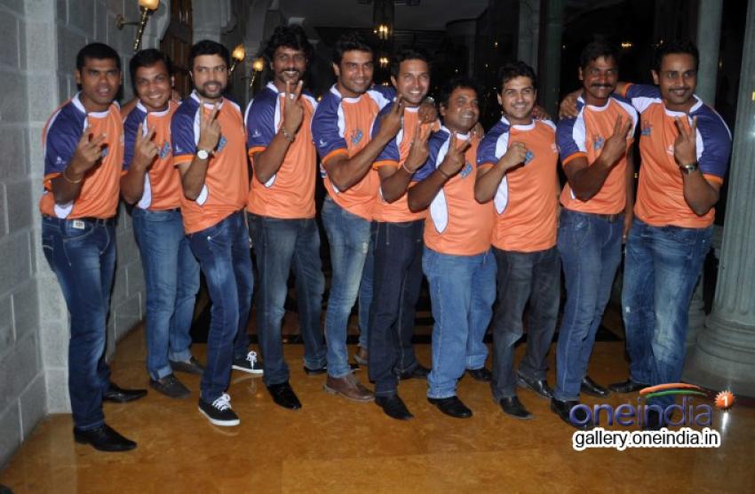 Team Veer Marathi launches Zee Talkies Calender Photos