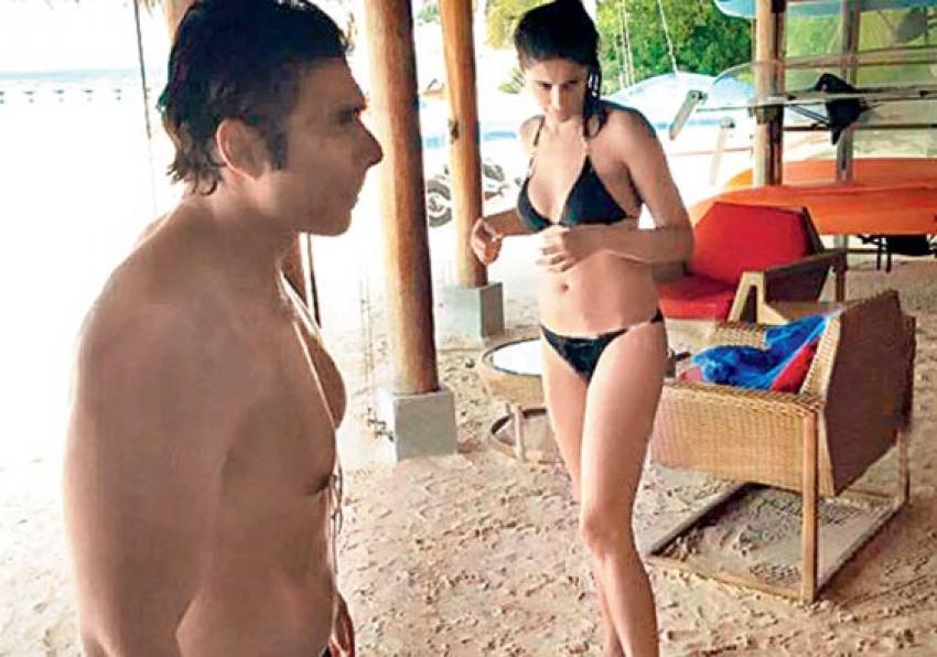 Bollywood Celebs New Year 2014 Vacation Photos