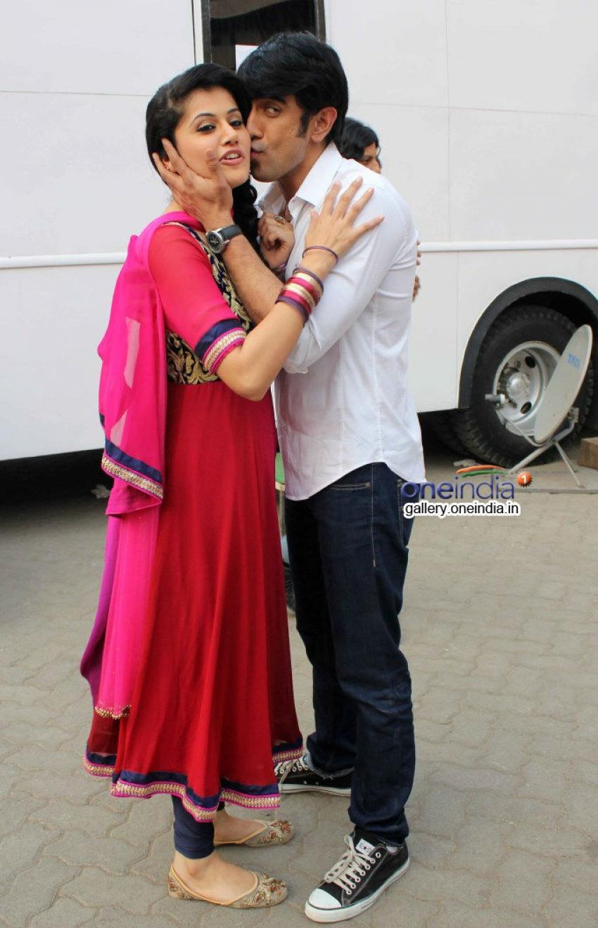 Amit Sadh And Tapasee Pannu Promote Running Shaadi.com Photos