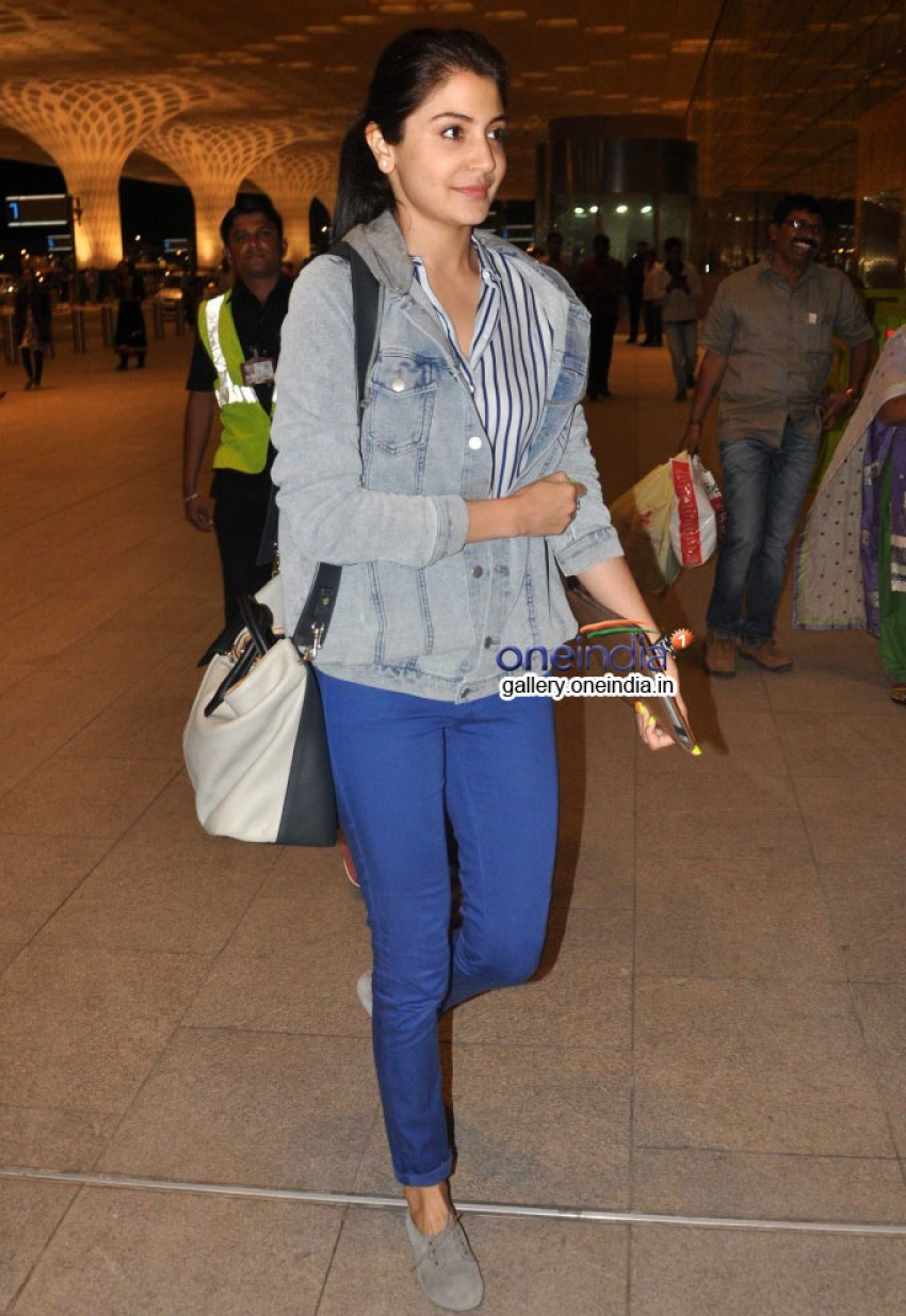 Anushka Sharma off to Sri Lanka for Bombay Velvet shoot Photos