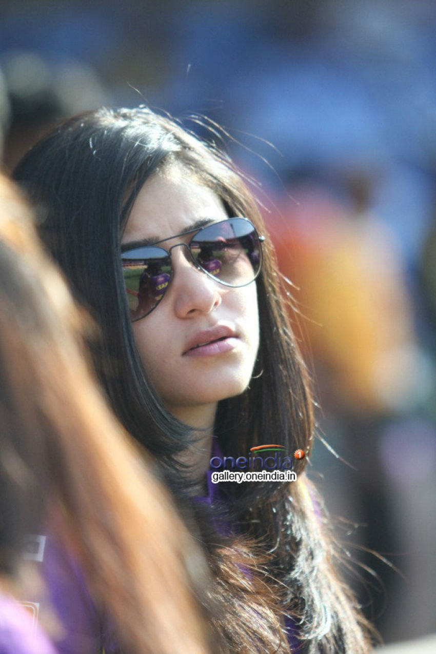 CCL 4 : Bhojpuri Dabanggs Vs Bengal Tigers Match Photos