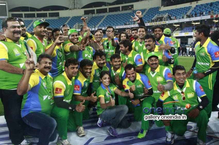 CCL 4 : Kerala Strikers Vs Veer Marathi Photos