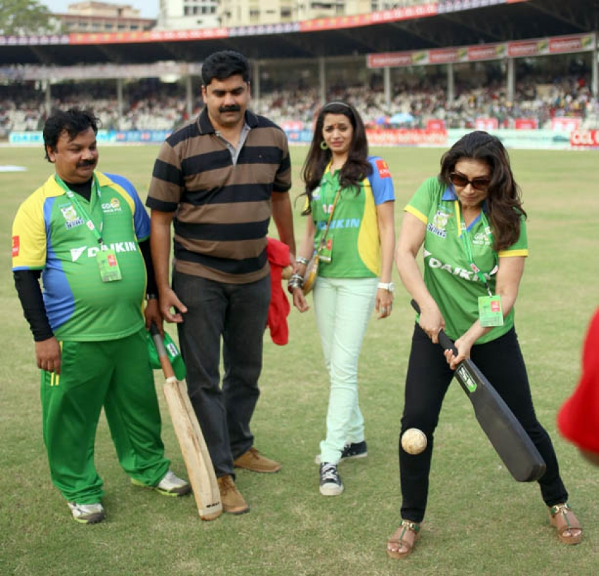 CCL 4 : Semi Final 1 - Kerala Strikers Vs Bhojpuri Dabanggs Photos