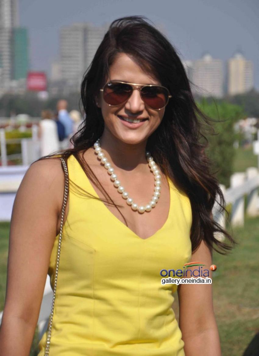 Provogue AGP Race Day at Mahalaxmi Race Course Photos