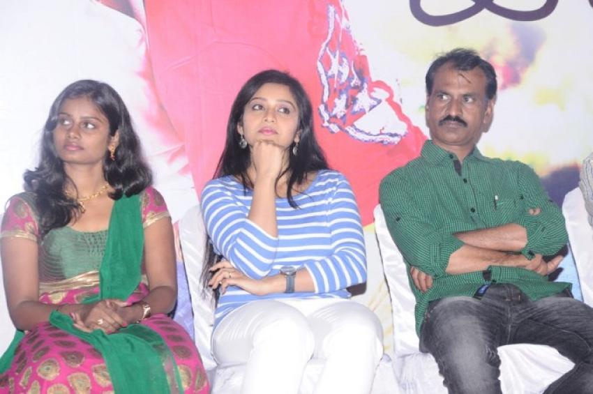 Snehavin Kadhalargal Film Press Meet Photos