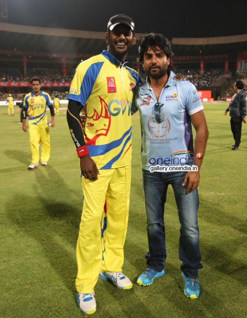 CCL 4 : Chennai Rhinos Vs Karnataka Bulldozers Match Photos