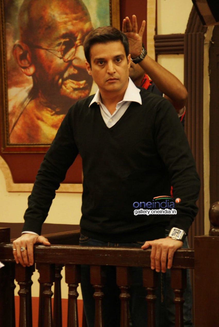 Darr At The Mall Film Promotion On The Sets Of Adaalat Photos
