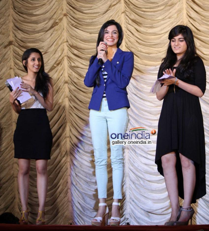National College festival 2014 Cutting Chai Photos