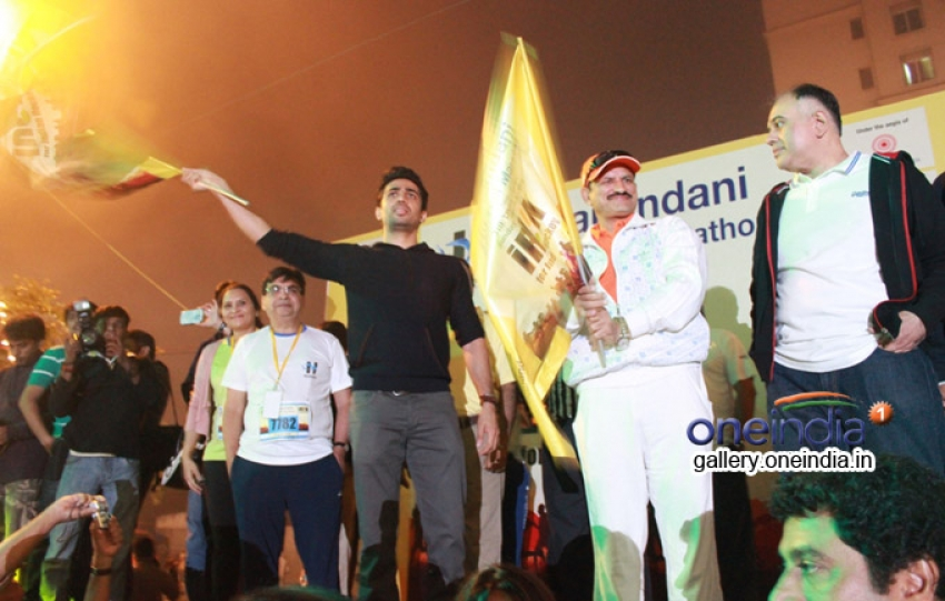 Gulshan Devaiah flags off the Hiranandani Thane Half Marathon Photos