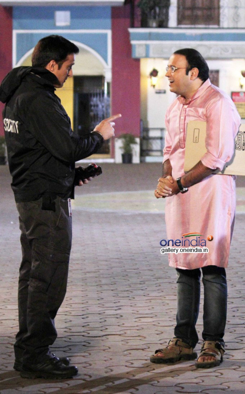 Jimmy Shergill promote Darr @ The Mall on Taarak Mehta Ka Ooltah Chashmah Photos
