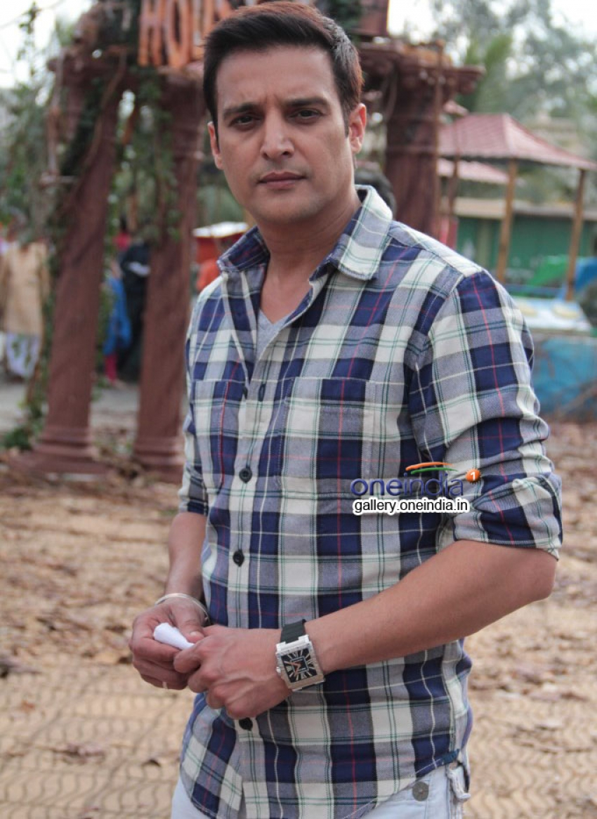 Darr @ The Mall Promotion On The Sets Of CID Photos