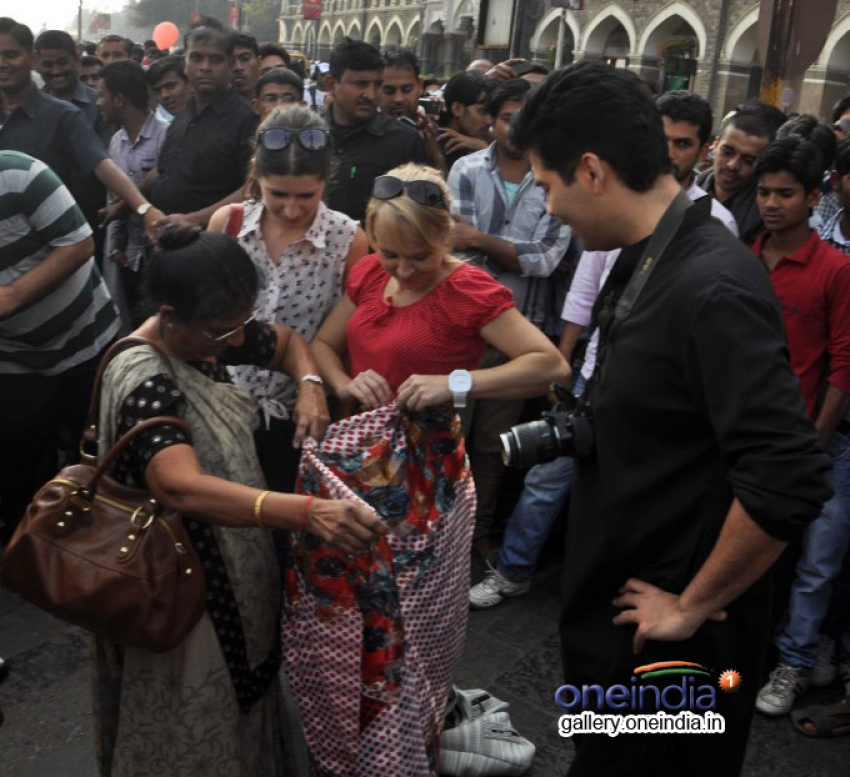Karan Johar shoots for TV show Mission Sapne at Gateway of India Photos