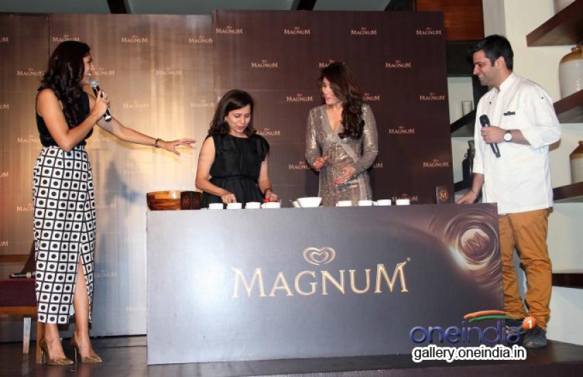 Kareena Kapoor launches Magnum ice-cream Photos
