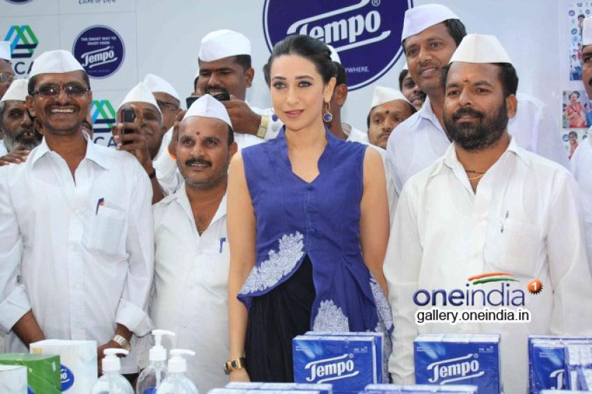 Karisma Kapoor unveils SCA's Tempo Smart Foodie campaign Photos