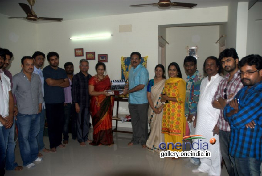 Lakshmi Ramakrishnan New Film Launch Photos