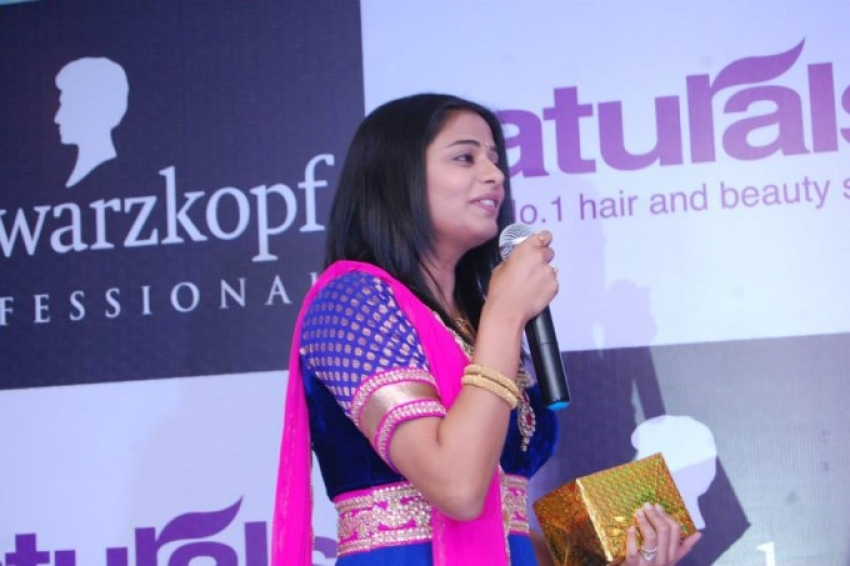 Launch of 5 Naturals Salons in Madurai Photos