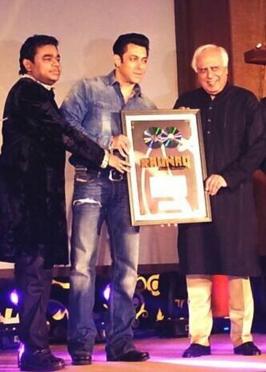 Salman Khan unveils AR Rahman's music album Raunaq Photos