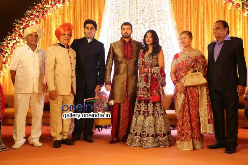 Shahrukh & Abhishek graced Govind Namdeo's Son Wedding Photos
