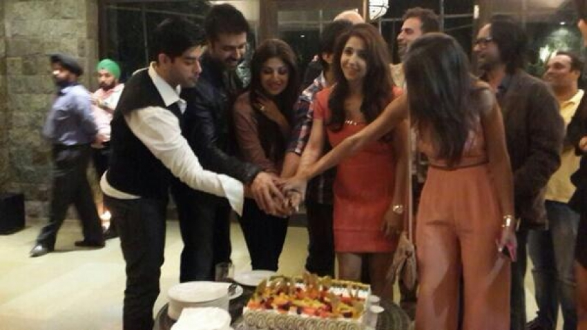 Shilpa, Harman & Raj at the wrap up party of Dishkiyaoon Photos