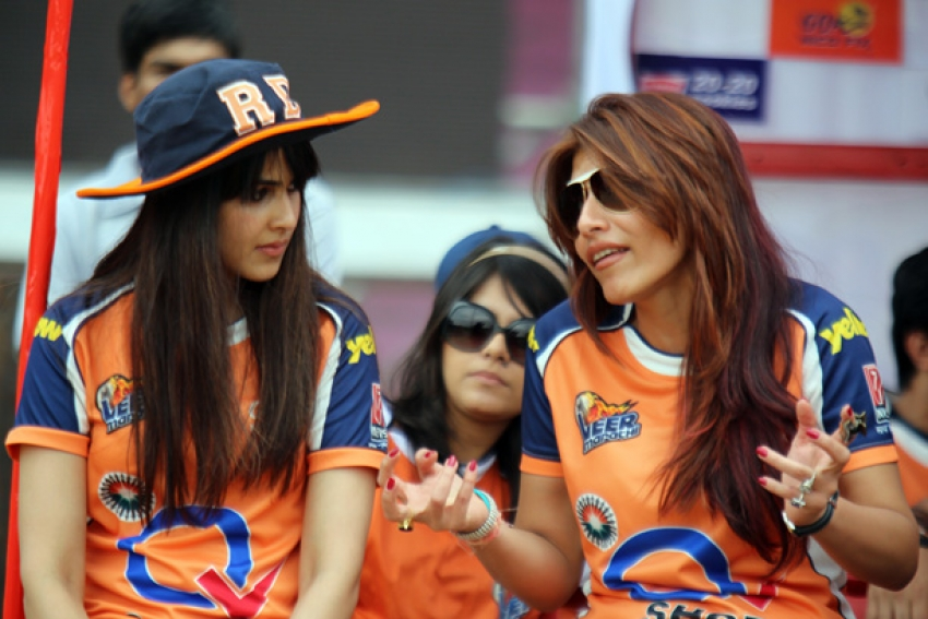CCL 4 : Veer Marathi Vs Mumbai Heroes Match Photos