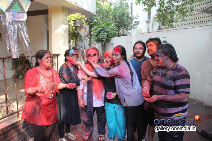 Bappi Lahiri celebrates Holi 2014 Photos