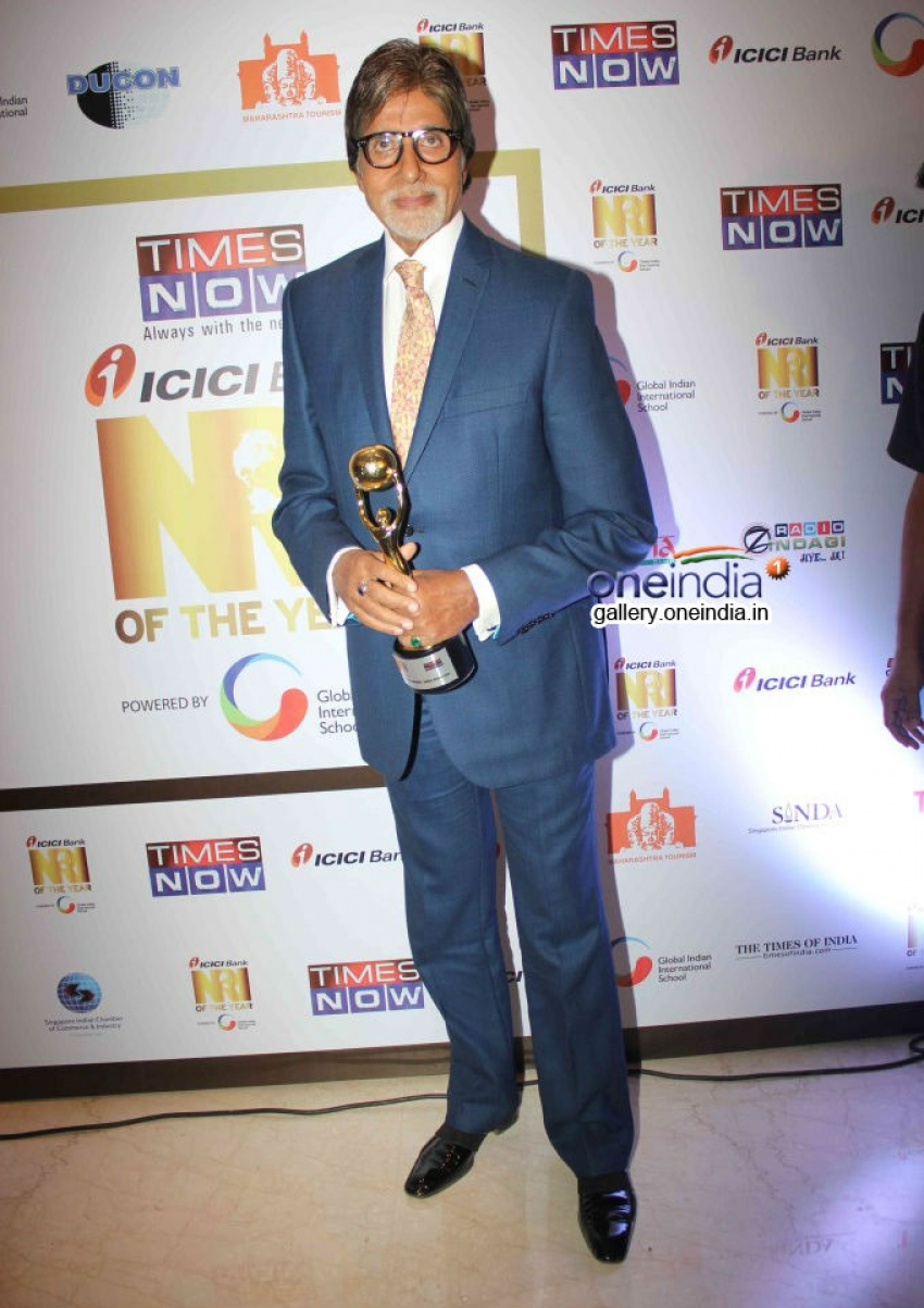 Amitabh Bachchan receives India's Global Icon award 2014 Photos