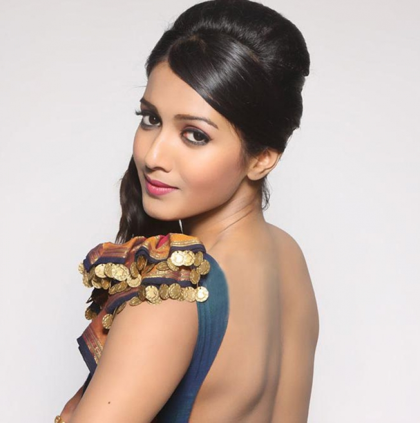 Catherine Tresa In Traditional Attire Photos