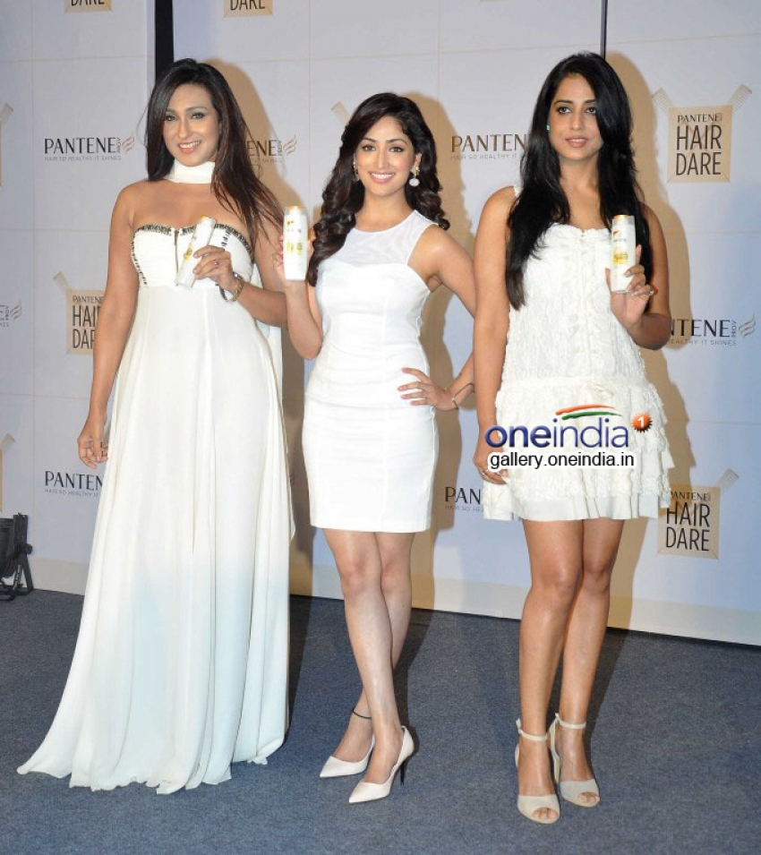Rituparna, Yami and Mahi at launch of new and improved Pantene Photos