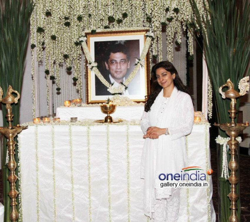 Juhi Chawla's brother Bobby Chawla's prayer meet Photos
