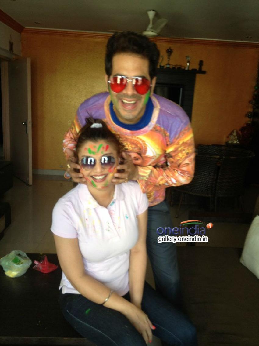Deepshikha Nagpal and Keshav Arora's Holi celebration Photos