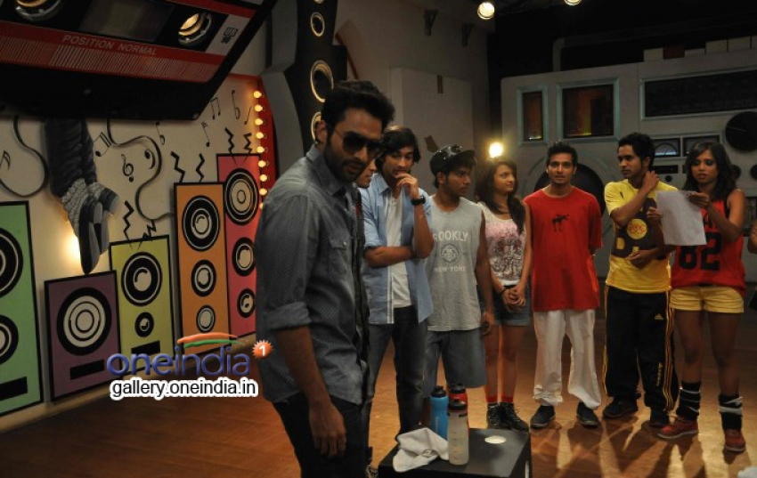 Promotion of film Youngistaan on the sets of Dil Dosti Dance Photos