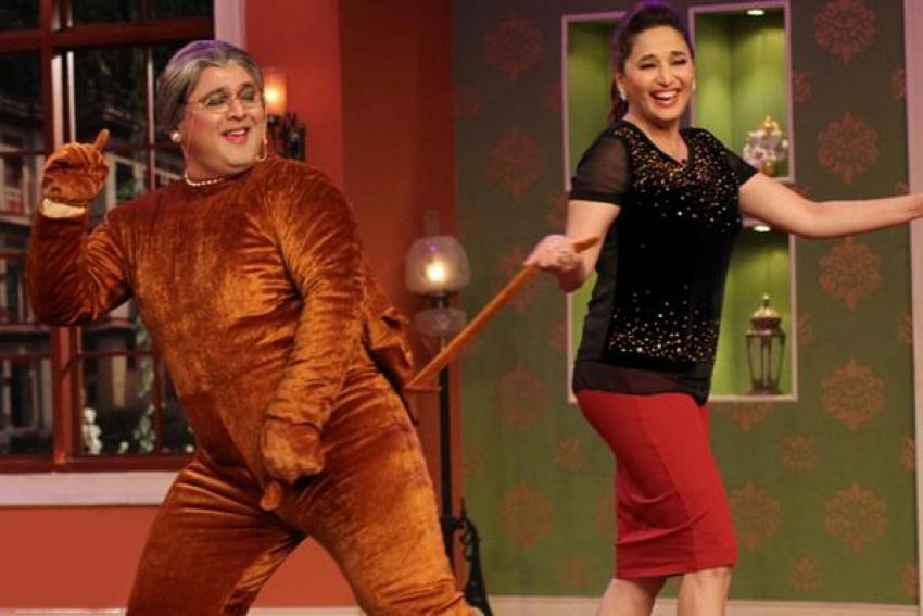 Madhuri Dixit and Juhi Chawla on Comedy Nights With Kapil sets Photos