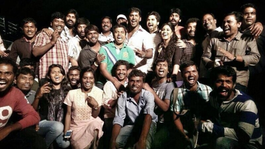 Naan Sigappu Manithan film wrap up party Photos