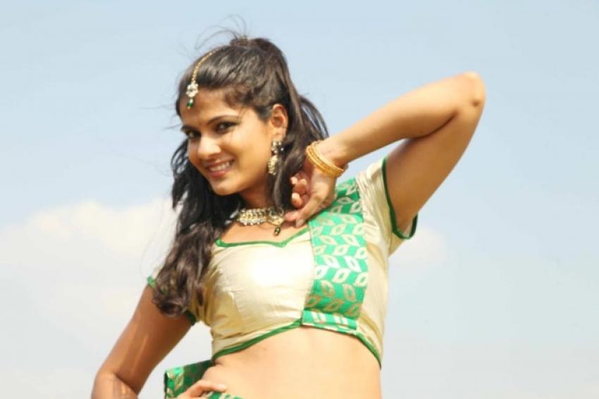 Ovvoru Nanbanum Thevai Machan Photos