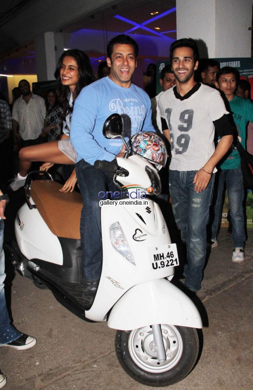 Salman Khan at O Teri film special screening Photos
