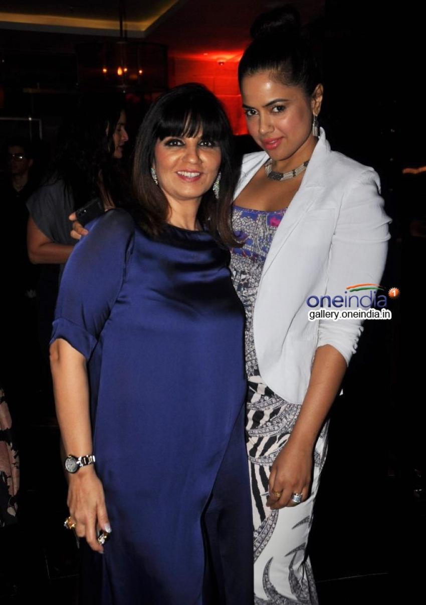 Sameera, Kalki & Sonal at Neeta Lulla's 50th birthday bash Photos