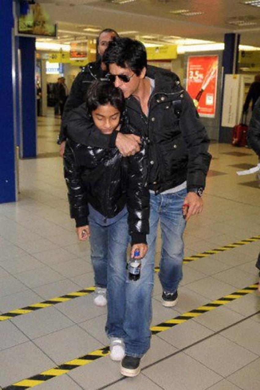 Shahrukh Khan Son Aryan with Amitabh Bachchan Grand Daughter Photos