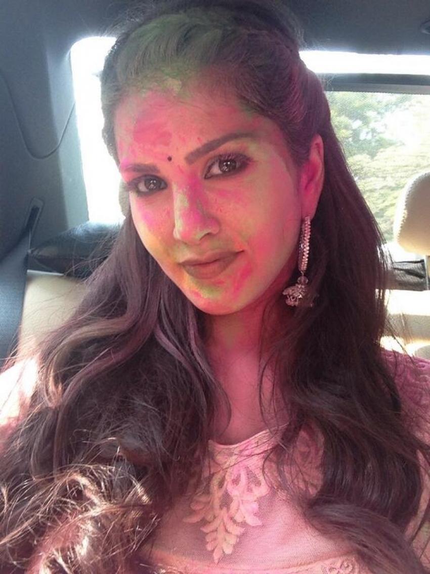 Bollywood Celebrates Holi Photos