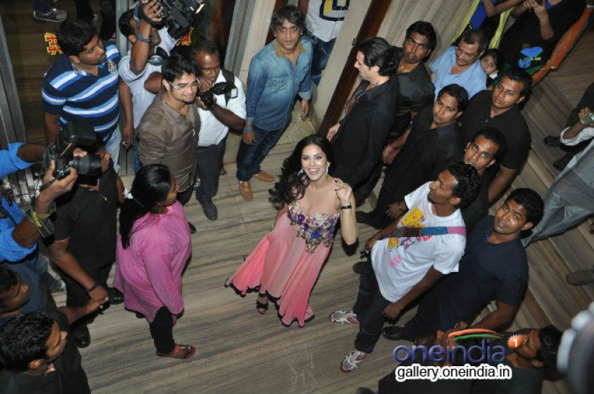 Sunny Leone promote Ragini MMS 2 at Excelsior Cinema CST Photos